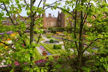 Hampton-Court-Palace-IMGP1201