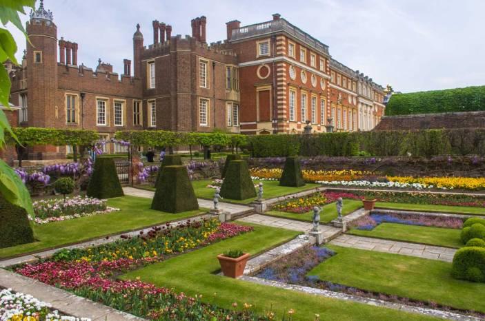 Hampton-Court-Palace-IMGP1211