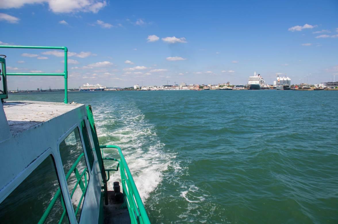 Hythe-ferry-IMGP2106